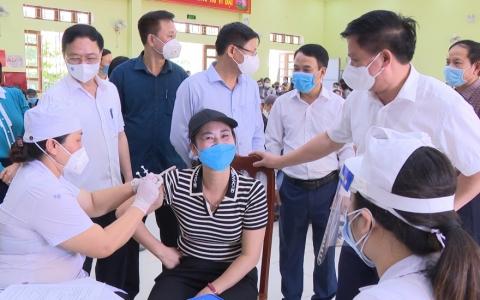 Kiểm tra công tác phòng dịch và tiến độ tiêm phòng vắc xin phòng Covid-19