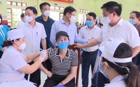 Thành phố phấn đấu tiêm 50.000 mũi vắc xin trong 3 ngày