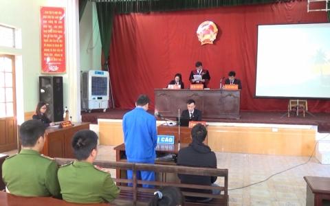 Tòa án nhân dân huyện Đông Hưng xét xử 2 vụ án hình sự
