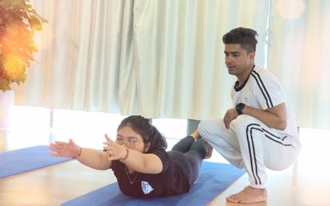 Yoga- hỗ trợ cải thiện bệnh đau mỏi cổ, vai, gáy