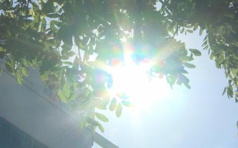 Nắng nóng gay gắt vẫn tiếp tục diễn ra trong nhiều ngày tới
