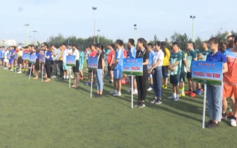 Khai mạc giải bóng đá Auto - Bank - Insurance Cup Thái Bình lần thứ ba