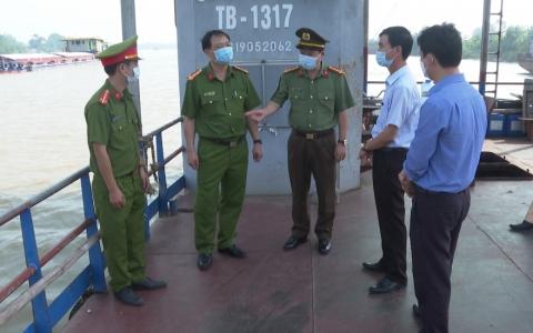 Giám đốc Công an tỉnh kiểm tra công tác phòng, chống dịch Covid-19 tại bến phà An Khê và bến đò Phú Hậu