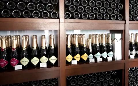Pháp, Nga nhất trí giải quyết tranh cãi về nhãn rượu