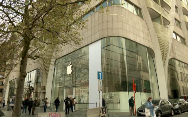 Apple lại bị kiện vì hành vi độc quyền