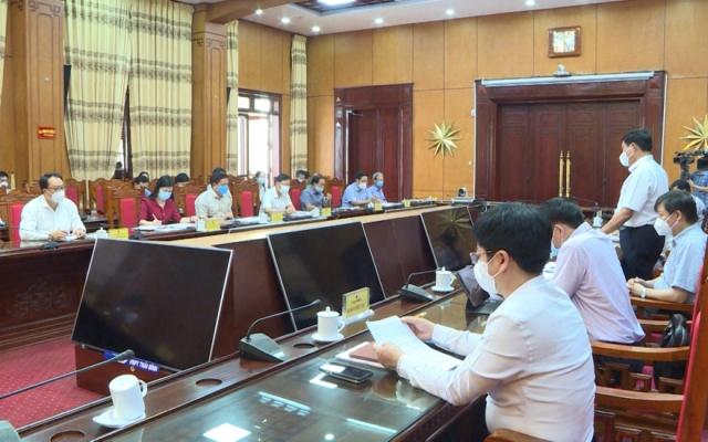 Thứ trưởng Bộ Y tế kiểm tra công tác phòng chống dịch tại Thái Bình